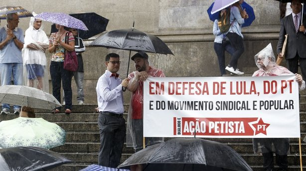 Unionists and members of the Workers Party (PT) demonstrate in support of Brazilian former president Luiz Inacio Lula da Silva