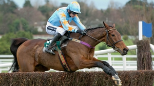Un De Sceaux makes a step up in trip at Auteill