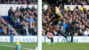 Danny Welbeck scores after rounding Everton 'keeper Joel Robles