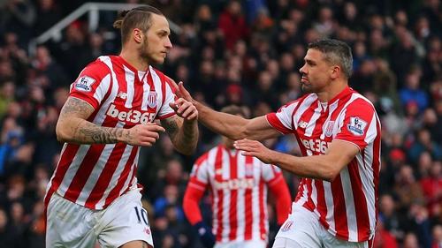 Jonathan Walters (R) returned for Stoke