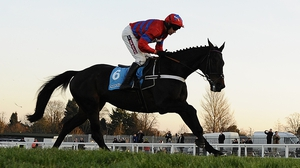 Sprinter Sacre made the most of Un De Sceaux's errors