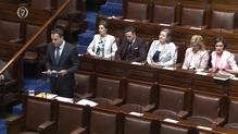An tAire Varadkar ag labhairt sa Dáil le gairid.