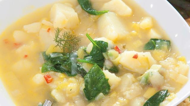 Leek, Chilli & Spinach Soup: Catherine Fulvio