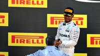 Hamilton unhappy with stewards reprimand