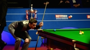 Mark Selby takes homer the trophy for the second time