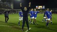 Martin O'Neill celebrates a Leicester win when he was Foxes manager back in 2000