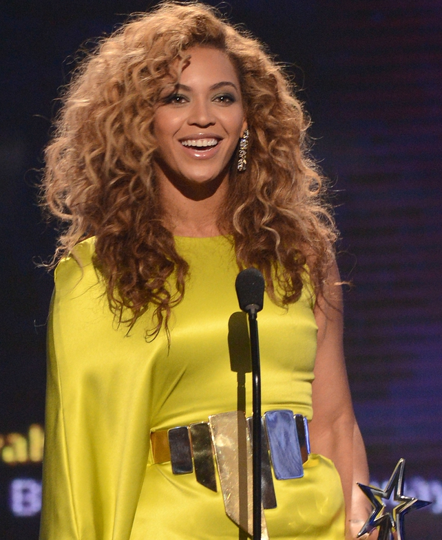 A rock chic yellow number at the 2012 BET Awards