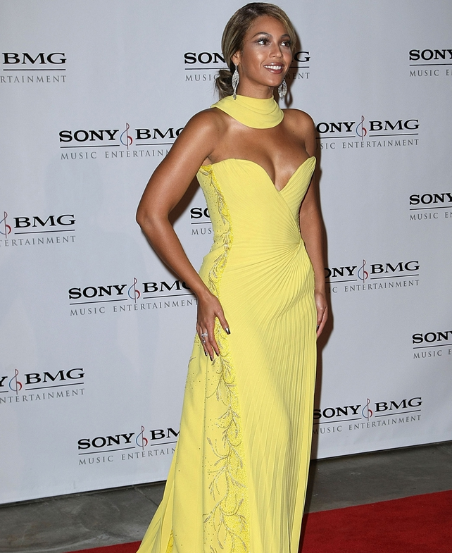 B going glam in yellow - Sony Grammy after-party 2008
