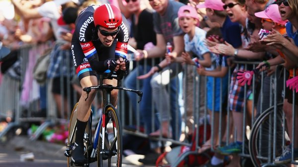 Tom Dumoulin on his way to taking the lead in the Giro d'Italia