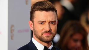 Justin Timberlake makes voting booth selfie gaffe