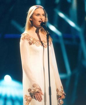 Eimear Quinn, 1996 winner. Simple elegance.