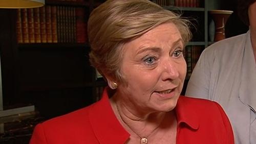 Frances Fitzgerald a bhí ag glacadh na gceisteanna thar ceann an Taoisigh sa Dáil tráthnóna