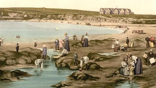 Holiday-makers enjoy a summer's day on Bundoran beach c. 1900 (Library of Congress Prints and Photographs Division Washington, DC 20540 USA)