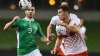 Arsenal swoop for Swiss midfielder Granit Xhaka