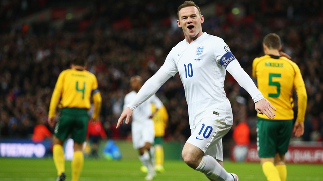 Rooney to remain as England captain