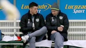 Keiren Westwood and Martin O'Neill talk during Ireland squad training last November