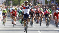 Kluge wins Giro stage, Kruijswijk stays in pink