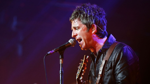 Noel is delivering some of his tunes tonight to an expectant crowd of fans
