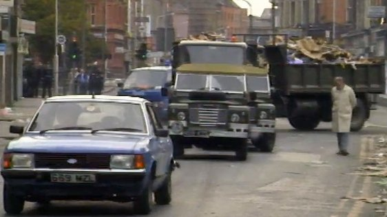 Army Clear Rubbish From Moore Street (1986)