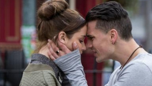 Eastenders - Steven tries to help the family