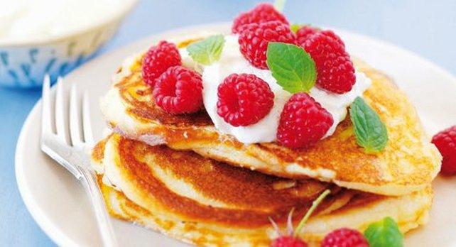 Berry Pancakes, Natural Yoghurt