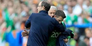 Ireland manager Martin O'Neill greets goalscorer Wesley Hoolahan following his substitution