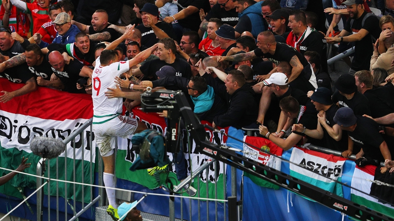 Kiraly sets record as Hungary beats Austria 2-0 at Euro 2016