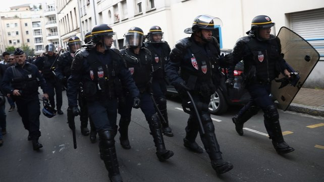 Russian Federation angered as French crackdown with arrests and deportation