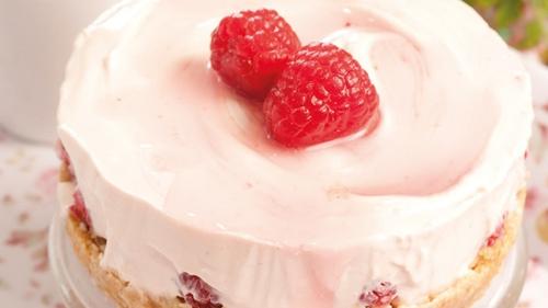Individual Raspberry Cheesecakes
