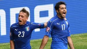 Giaccherini (L) celebrates with goalscorer Eder
