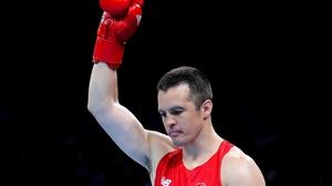 Darren O'Neill eased through in Baku