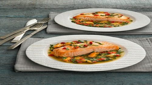 Salmon with Mussels and Spinach