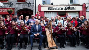 Castlebar primary school students greeted Joe Biden with some traditional Irish music