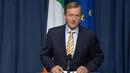 Taoiseach Enda Kenny ag léiriú a dhíomá faoi thoradh an reifrinn