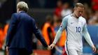 Rooney denies England team lost faith in Hodgson