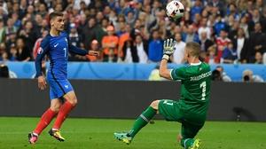 Antoine Griezmann chips home France's fourth goal