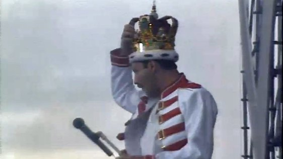 Queen At Slane Castle