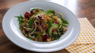 Operation Transformation: Tuna & mixed bean salad