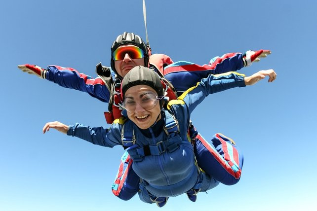 Single women are banned from Skydiving on Sundays, in Florida