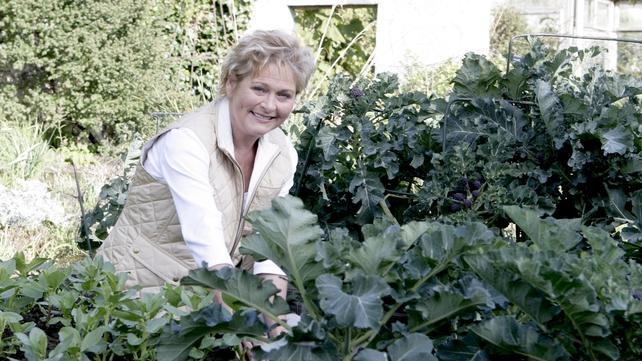 Helen Dillon in her wondrous gardens