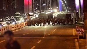 Turkish soldiers block the Bosphorus bridge in Istanbul