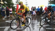 Froome safely negotiated the descent of the Col de Joux Plane