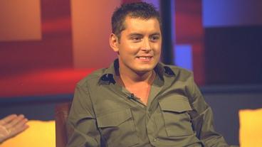 Brian Dowling Wins Big Brother 2001