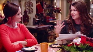 Lorelai and Rory debate whether or not Amy Schumer would like Lorelai
