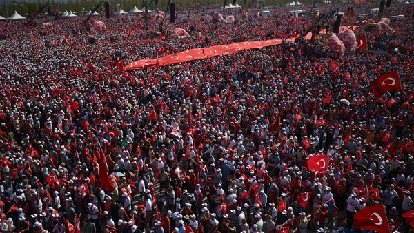 More than a million people attended the 'Democracy and Martyrs'rally in Istanbul today