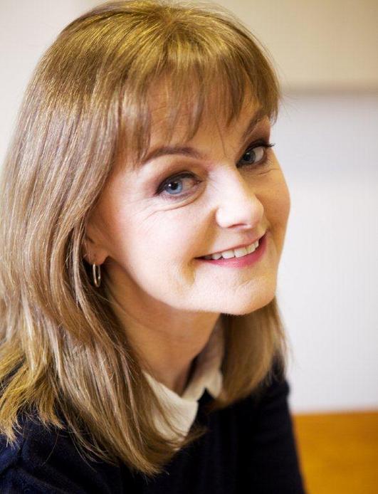 Frances Nic Geadaigh, ó Sheomra na Nuachta.