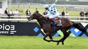Almanzor's pedigree raised major question marks over his ability to stay the 12 furlongs of the Prix de l'Arc de Triomphe