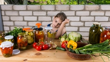 Bill in Italy could punish parents who restricts children's diet to veganism
