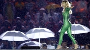 Singer-songwriter Julia Michaels donned the green jersey for the closing ceremony