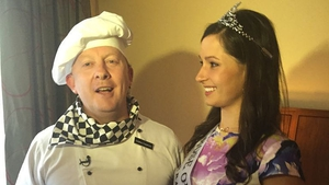'Luciapiano Trapaphoney' serenades Rose of Tralee Maggie Rose McEldowney on her first morning wearing her crown